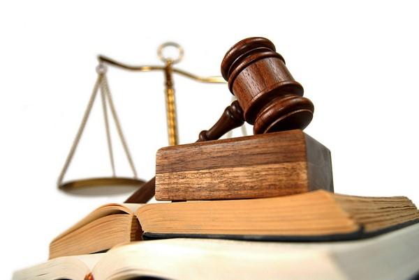 Luật sư bảo vệ người lao động tại tòa án